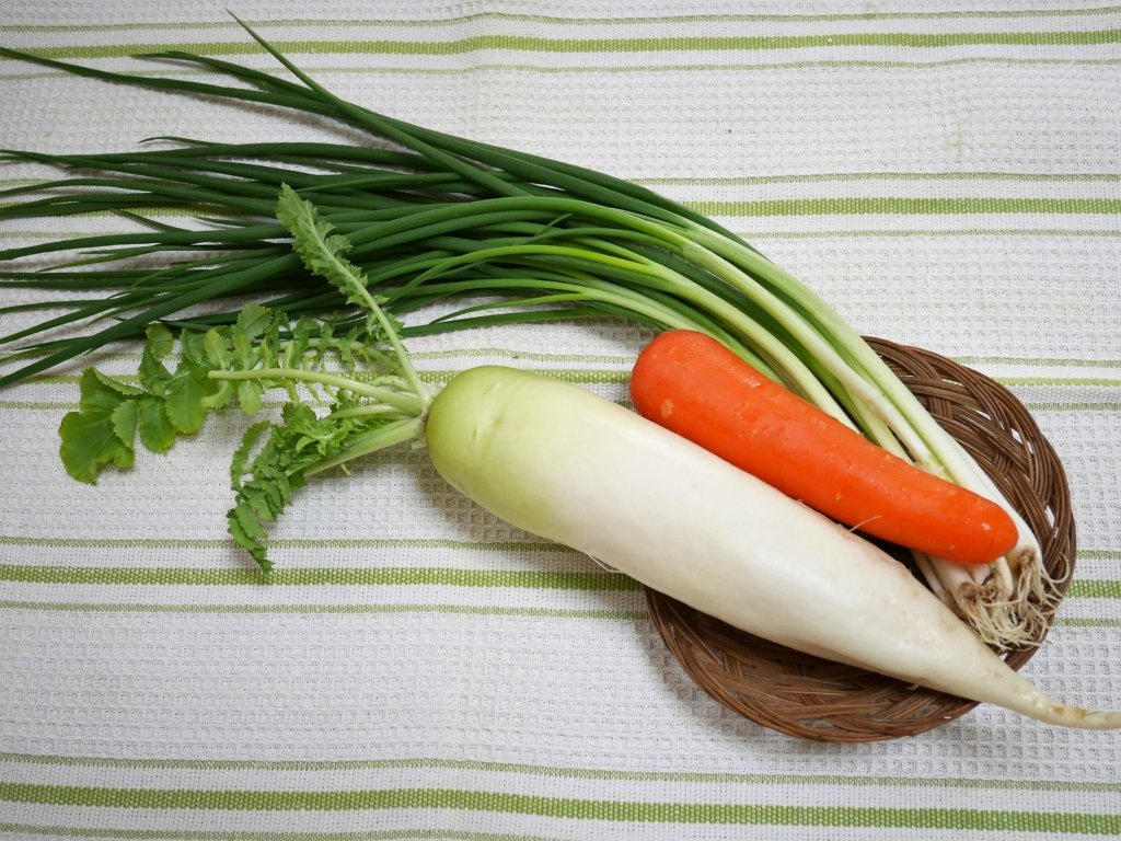 daikon radish, carrot and green onion